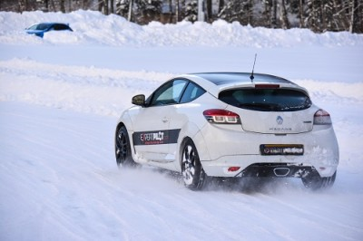 expertpilot stages renault megane sur glace stages pilotage glace d couvrez la conduite. Black Bedroom Furniture Sets. Home Design Ideas